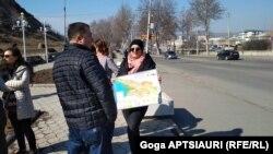 Некоторые гиды в Гори пришли на акцию с картой Грузии