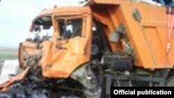 """Казакстан -- жол кырсыгынан бир көрүнүш. 8-май, 2012. (Сүрөттү """"Азаттыкка"""" Караганда облустук ички иштер департаменти сунуштады.)"""