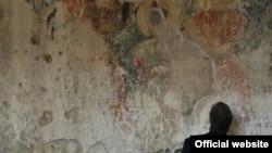 С копией документа ознакомился и грузинский искусствовед Гиорги Гагошидзе. Из доклада он узнал, что в Бедийском храме обрушилась уникальная фреска грузинского царя Баграта III