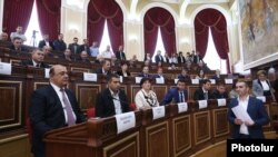 Armenia - Gyumri Mayor Samvel Balasanian (L) attends the first session of the city's municipal council, 10Oct2016.