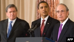 President Barack Obama (center) announces Holbrooke's (left) role for Afghanistan and Pakistan, along with envoy for the Middle East George Mitchell on January 22.