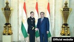 امام علی رحمن رئیس جمهور تاجکستان و جنرال جوزف ووتل فرمانده قوماندانی مرکزی اردوی امریکا