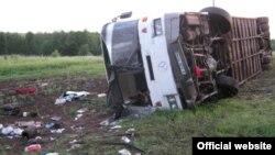 Жол-көлік апатына ұшыраған жолаушылар автобусы. (Көрнекі сурет)
