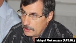 Правозащитник Евгений Жовтис. Алматы, 6 сентября, 2013 года.