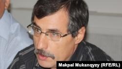 Правозащитник Евгений Жовтис. Алматы, 6 сентября 2013 года.