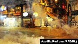 Pamje nga përleshjet e mëparshme në Parkun Gezi në Stamboll të Turqisë