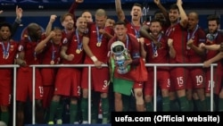 Збірна Португалії вперше в історії виграла чемпіонат Європи з футболу
