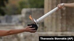 Церемонія запалення Олімпійського вогню в грецькій Олімпії, 24 жовтня 2017 року