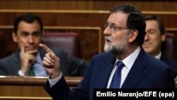 Zvanični Madrid insistira na Ustavu: Premijer Rahoj u državnom parlamentu nakon katalonskog referenduma