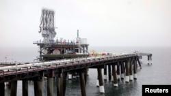 Терминал для сжиженного газа Cove Point американской энергокомпании Dominion Resources в американском штате Мерилэнд. Он был построен еще в 70-ые годы прошлого века как импортный терминал. Теперь компания ожидает разрешения на его реконструкцию в терминал для экспорта сжиженного газа.