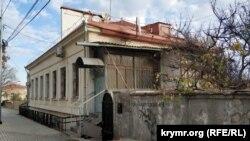Дом №19 на улице Советской в Севастополе