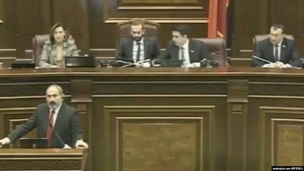 Спикер НС: Правительство готово обсудить все письменные предложения фракций