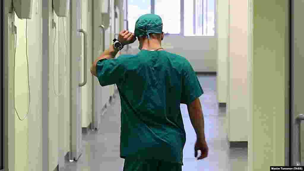 МАКЕДОНИЈА - Институтот за јавно здравје информираше дека осум лица починале минатата недела како последица од сезонскиот грип,. Според ИЈЗ, шест од починатите се на возраст над 60 години, а меѓу починатите се и девојче на 12 години и жена на 26 години.