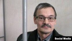 Рафис Кашапов в суде, апрель 2015 года