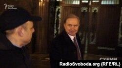 Віктор Капустинський каже, що вітав в АП колегу з днем народження