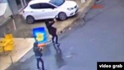 نیروهای پلیس ترکیه هر دو فرد مهاجم را از پا درآوردهاند