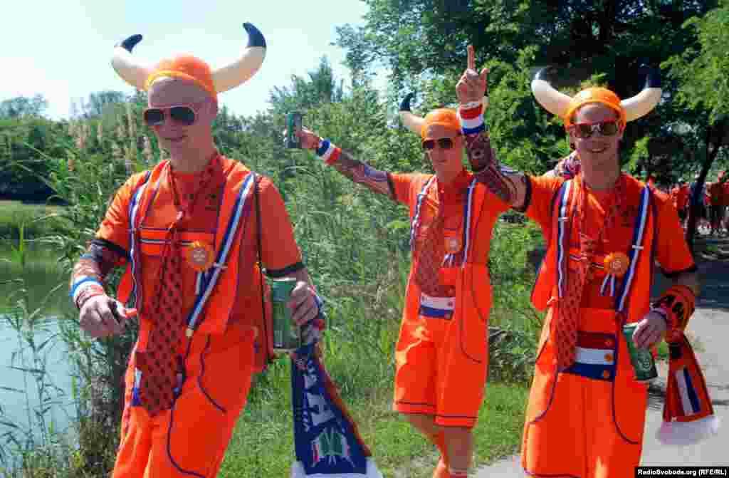 Пращури вікінгів починають ходу від Orange camp до фан-зони на площі Свободи