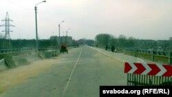 Аўтамабільны мост-даўгабуд