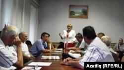 Уфа татарлары сайлауларда аерым бер фиркагә тавыш бирү кирәк дип тапмады