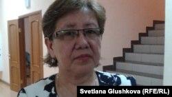 Клара Қамарова - жол-көлік апатында қаза тапқан Ұлан Байжұмановтың анасы. Астана, 16 қаңтар 2015 жыл.