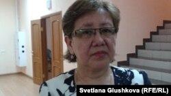 Клара Камарова, мать погибшего в ДТП Улана Байжуманова. Астана, 16 января 2015 года.
