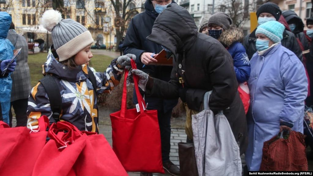 Діти допомагали в організації свята.