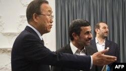 Kreu i OKB-së, Ban Ki-mun, dhe presidenti i Iranit, Mahmud Ahmadinexhad. Teheran, 29 gusht 2012.