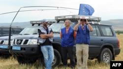 Члены Мониторинговой миссии ЕС у села Хурвалети, июль 2015 года