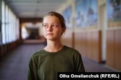Ліна Назіпова чекала з війни батька-вертолітника. Ліцеїстка мріє піти його шляхом і хоче стати льотчицею