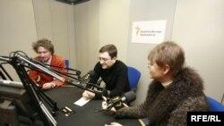 Ольга Конская и Андрей Некрасов в пражской студии RFE/RL