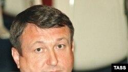 Возможно, в колонии строгого режима бывшему вице-губернатору Приморья Александру Шишкину разрешат пользоваться ковриком с портретом Владимира Путина