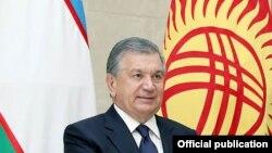 Шавкат Мирзиёевдин Бишкекке жасаган сапарында тартылган сүрөт.