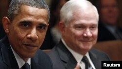 ԱՄՆ-ի նախագահ Բարաք Օբաման և պաշտպանության նախարար Ռոբերտ Գեյթսը Սպիտակ տանը կայացած մի միջոցառման ժամանակ, սեպտեմբեր, 2010թ․