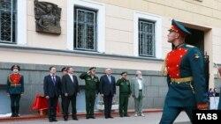 Церемония открытия памятной доски Маннергейму