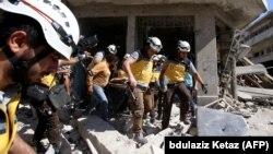 اواسط تیر ماه یک گروه ناظر بر جنگ داخلی سوریه گفته بود بیش از ۵۴۰ غیرنظامی در حملات دولت سوریه و ارتش روسیه به ادلب، جان خود را از دست دادهاند