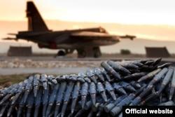 Российский боевой самолет на авиабазе Хмеймим. 14 марта 2016 года