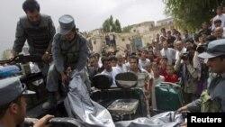 """Атака афганских талибов на """"джиргу мира"""" унесла человеческие жизни."""
