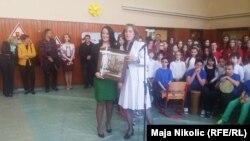 Direktorice škola iz Banje Luke i Tuzle među svojim učenicima, Tuzla, foto: Maja Nikolić