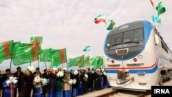Eýrany, Türkmenistany we Gazagystany öz içine alýan bilelikdäki demirýol proýekti işe girizildi.