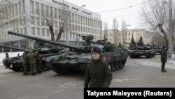 Rusiyalı hərbçi, arxiv fotosu