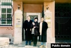 Адвокат Рудольф Риттер, крайний слева, фото в Петербурге в сентябре 1997 г.