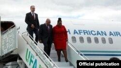 Көньяк Африка республикасы президенты Джейкоб Зума Уфа һава аланында