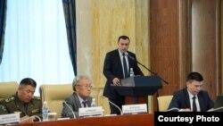 Темир Джумакадыров на заседании Совета безопасности КР.
