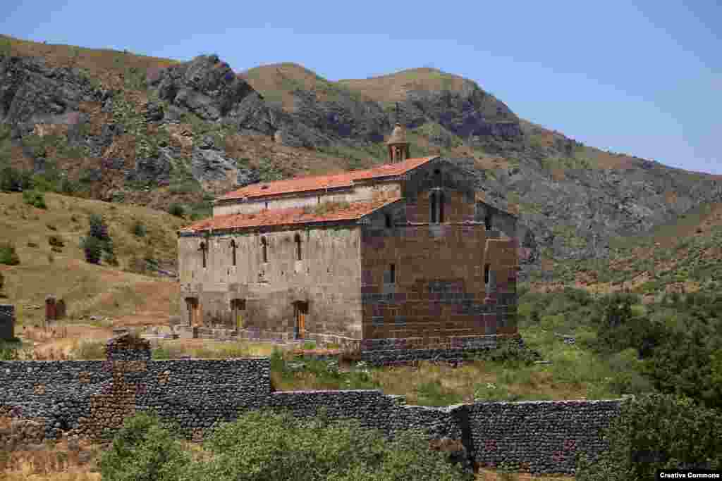 The Tsitsernavank monastery, on an isolated mountainside of Kashatagh Province