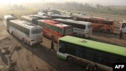 Автобуси для евакуації жителів з передмість Алеппо
