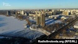 Ці дві недобудовані висотки на Лівому березі у Києві знає кожен киянин