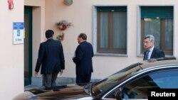 Silvio Berlusconi, në hyrje të punës së tij të re