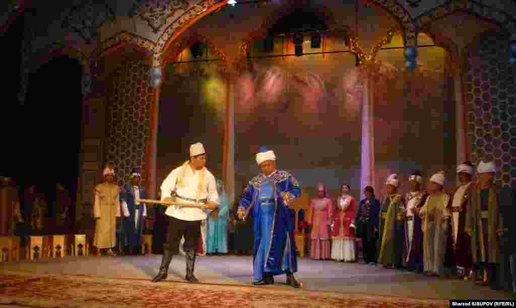 Kyrgyzstan - Osh Uzbek Theater receives assistance from Uzbekistan