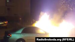 На початку доби 17 серпня в Броварах (поблизу Києва) невідомі спалили автомобіль програми журналістських розслідувань «Схеми»