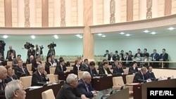 Депутаты сената парламента Казахстана.